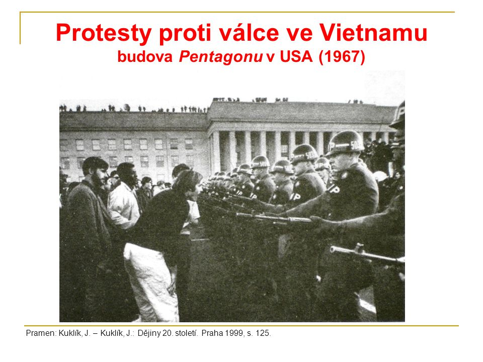 Protesty proti válce ve Vietnamu budova Pentagonu v USA (1967)