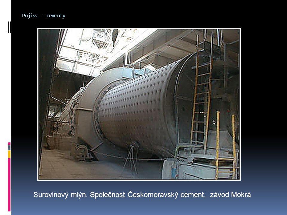 Surovinový mlýn. Společnost Českomoravský cement, závod Mokrá