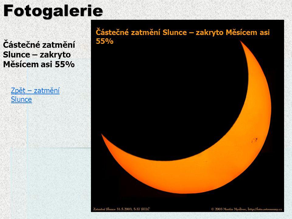 Fotogalerie Částečné zatmění Slunce – zakryto Měsícem asi 55%