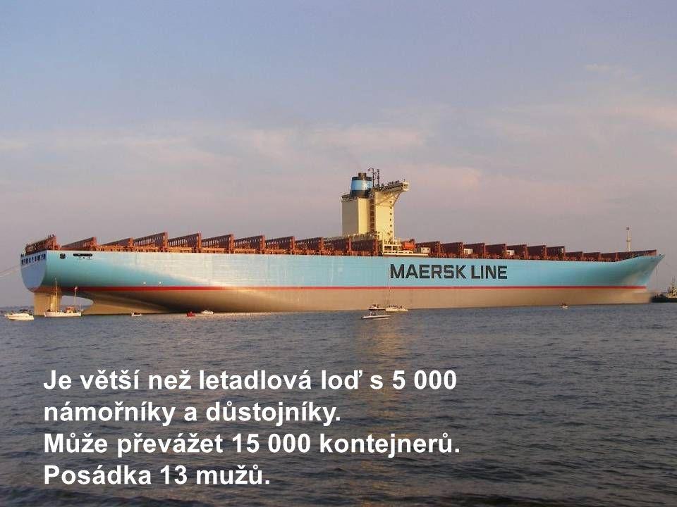 Je větší než letadlová loď s 5 000 námořníky a důstojníky