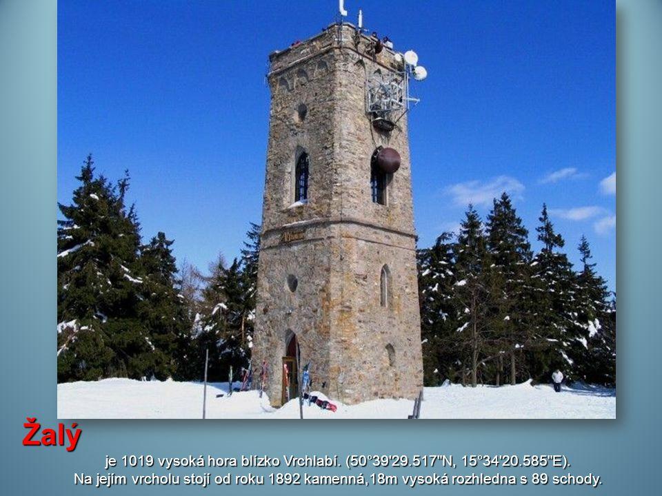 je 1019 vysoká hora blízko Vrchlabí. (50°39 29.517 N, 15°34 20.585 E).