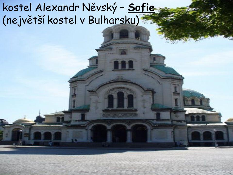 kostel Alexandr Něvský – Sofie (největší kostel v Bulharsku)