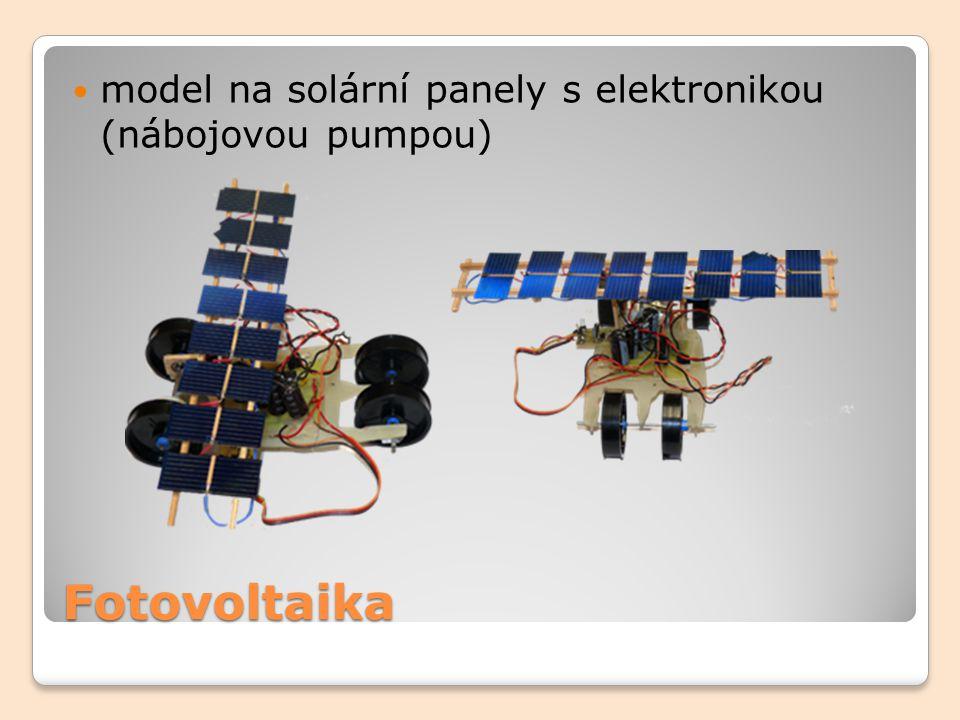 model na solární panely s elektronikou (nábojovou pumpou)