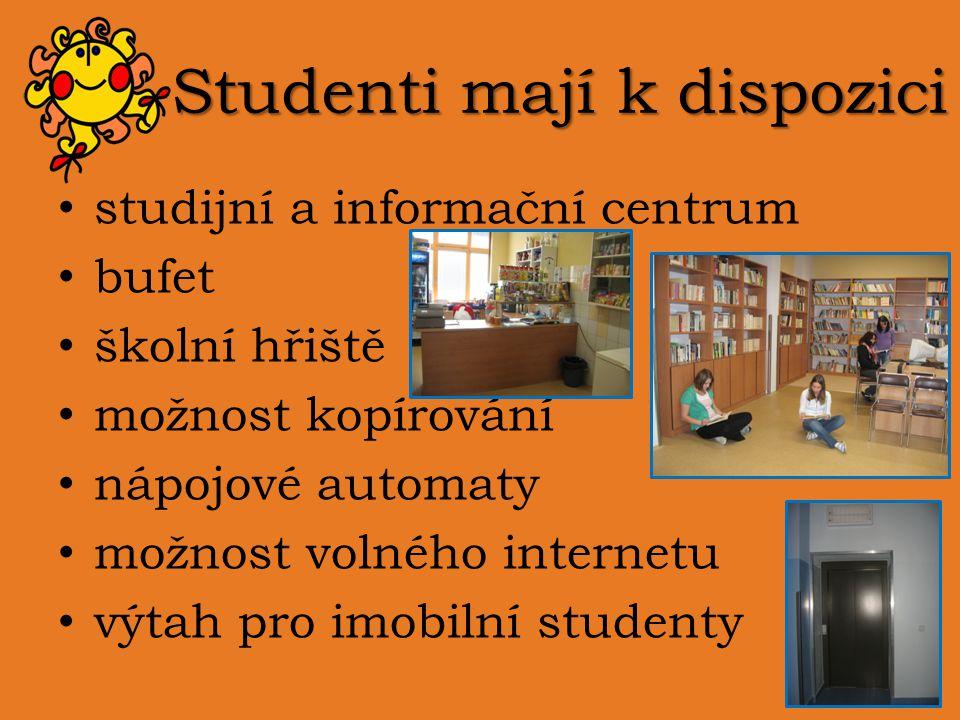 Studenti mají k dispozici
