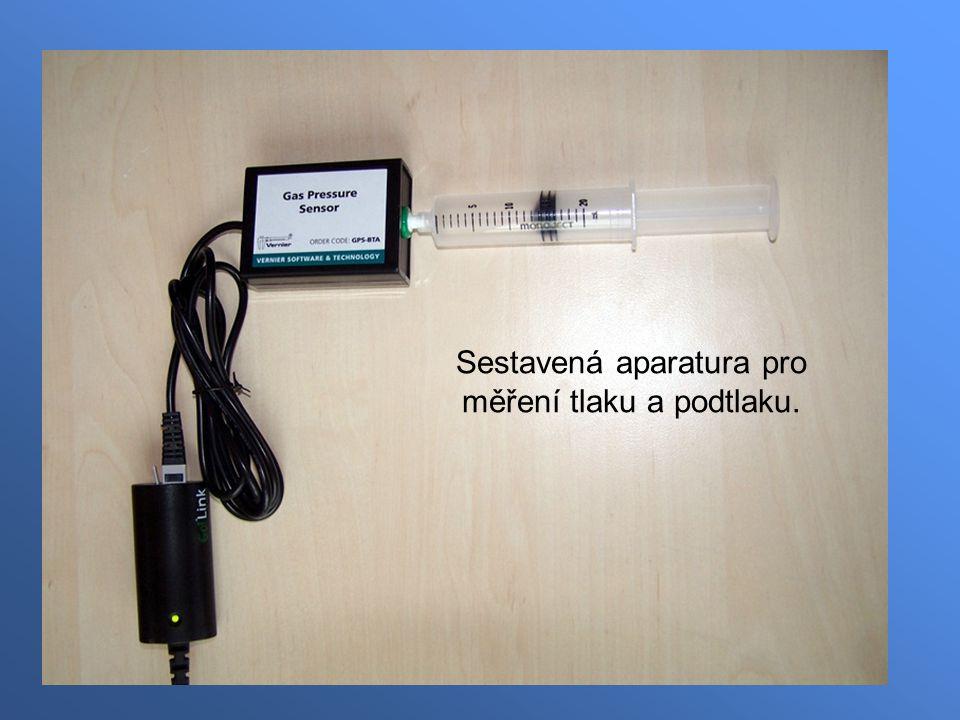 Sestavená aparatura pro měření tlaku a podtlaku.