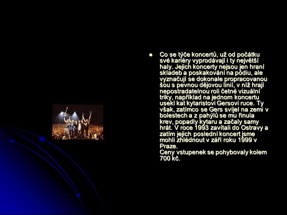 Co se týče koncertů, už od počátku své kariéry vyprodávají i ty největší haly.