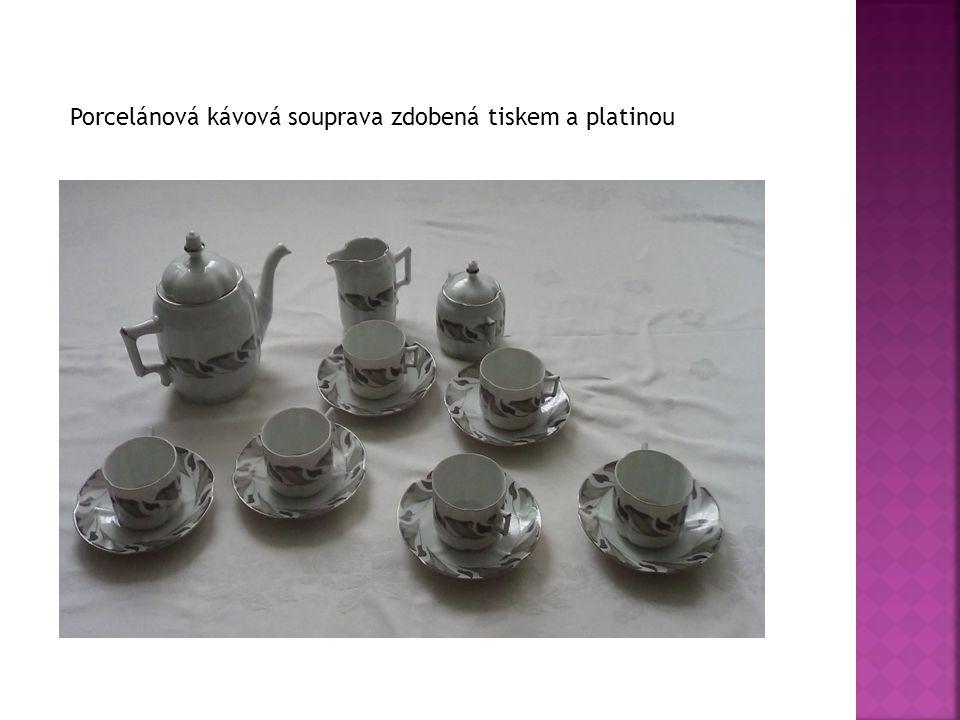 Porcelánová kávová souprava zdobená tiskem a platinou