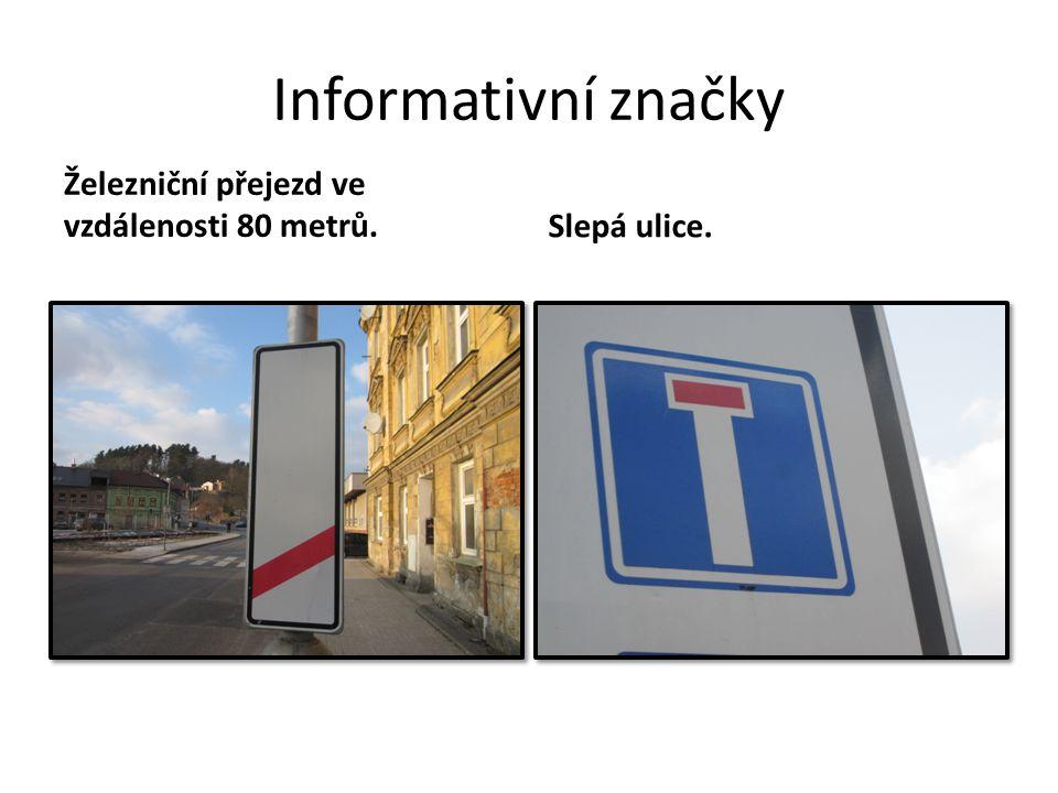 Informativní značky Železniční přejezd ve vzdálenosti 80 metrů.