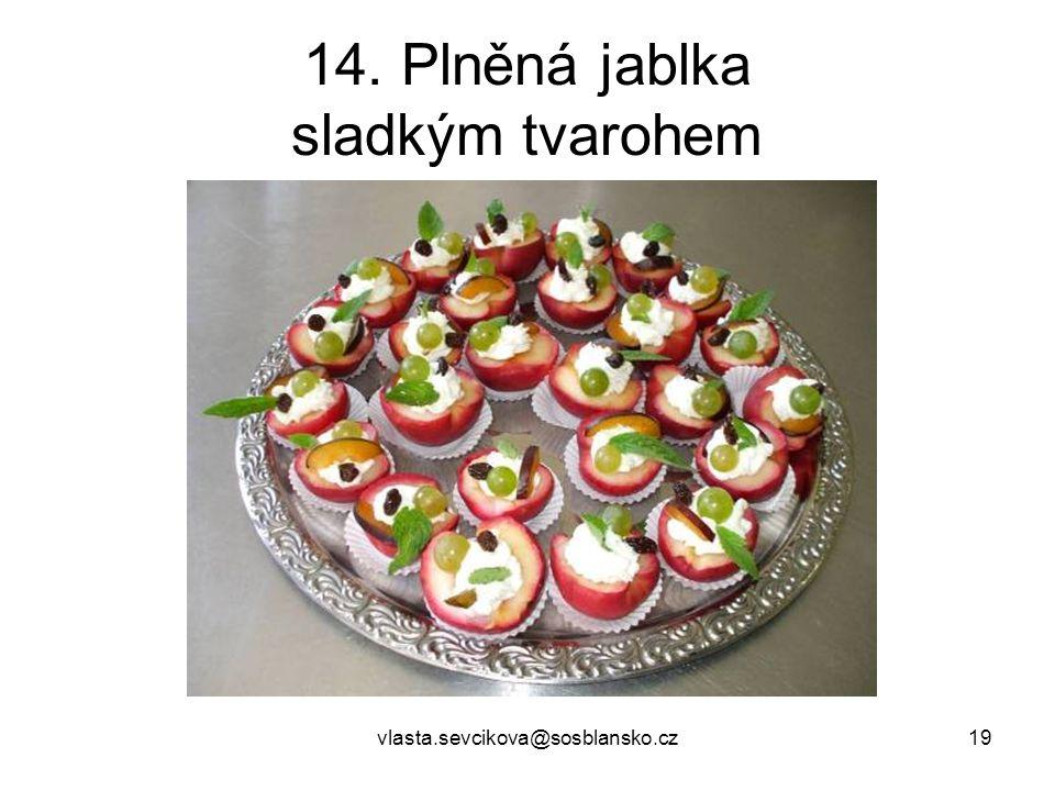 14. Plněná jablka sladkým tvarohem