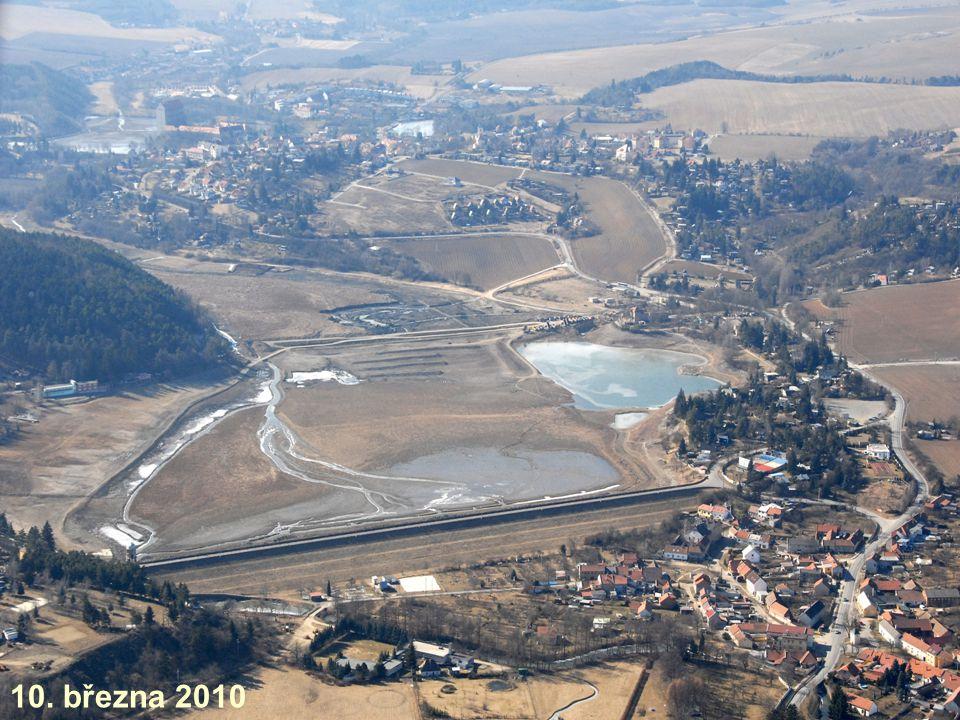 Aktuální stav Odtěženo je cca 130 tisíc m3 sedimentů