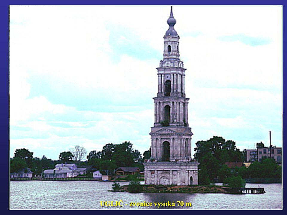 UGLIČ - zvonice vysoká 70 m