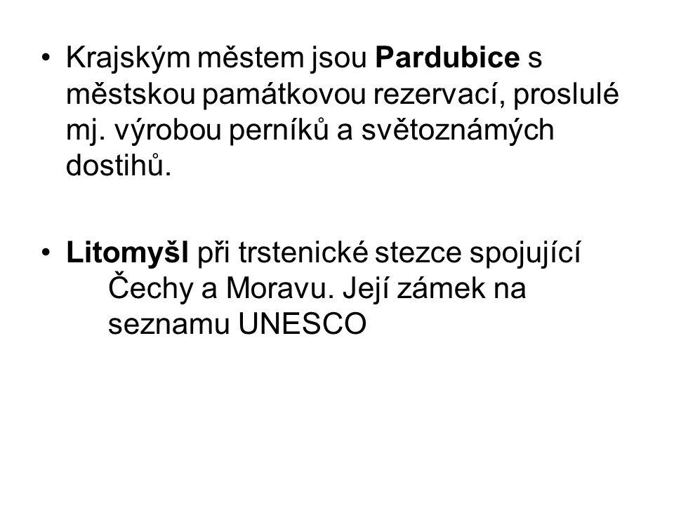 Krajským městem jsou Pardubice s městskou památkovou rezervací, proslulé mj. výrobou perníků a světoznámých dostihů.