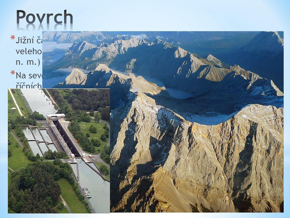 Povrch Jižní část území je převážně hornatá. Nacházejí se tu velehory Alpy. Nejvyšší horou Německa je Zugspitze (2962 m n. m.)