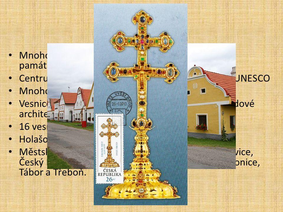 Památky Mnoho historicky cenných památek a městských památkových rezervací. Centrum Českého Krumlova bylo zapsáno seznam UNESCO.