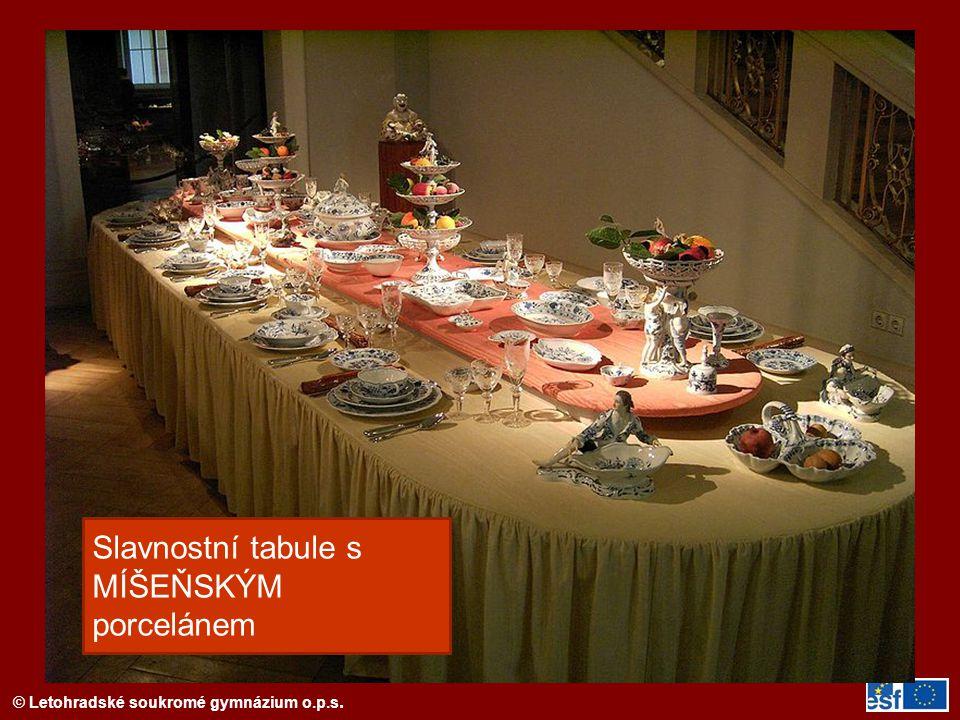Slavnostní tabule s MÍŠEŇSKÝM porcelánem