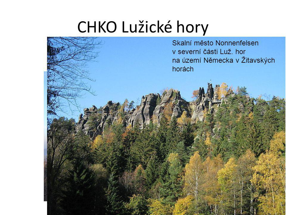CHKO Lužické hory Skalní město Nonnenfelsen v severní části Luž. hor na území Německa v Žitavských horách.
