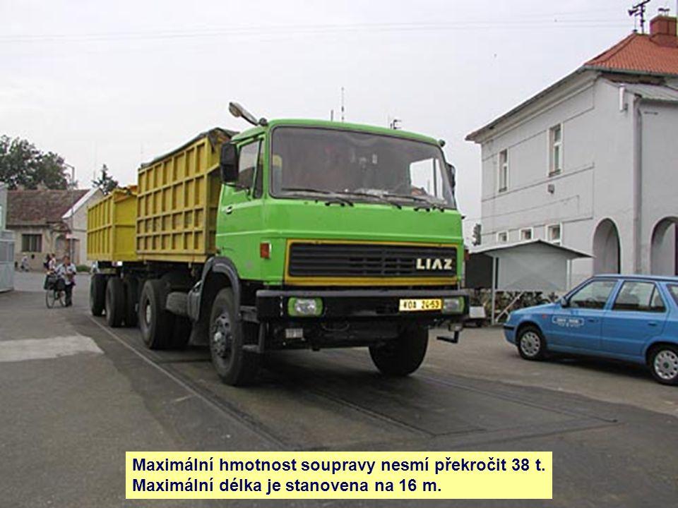 Maximální hmotnost soupravy nesmí překročit 38 t.