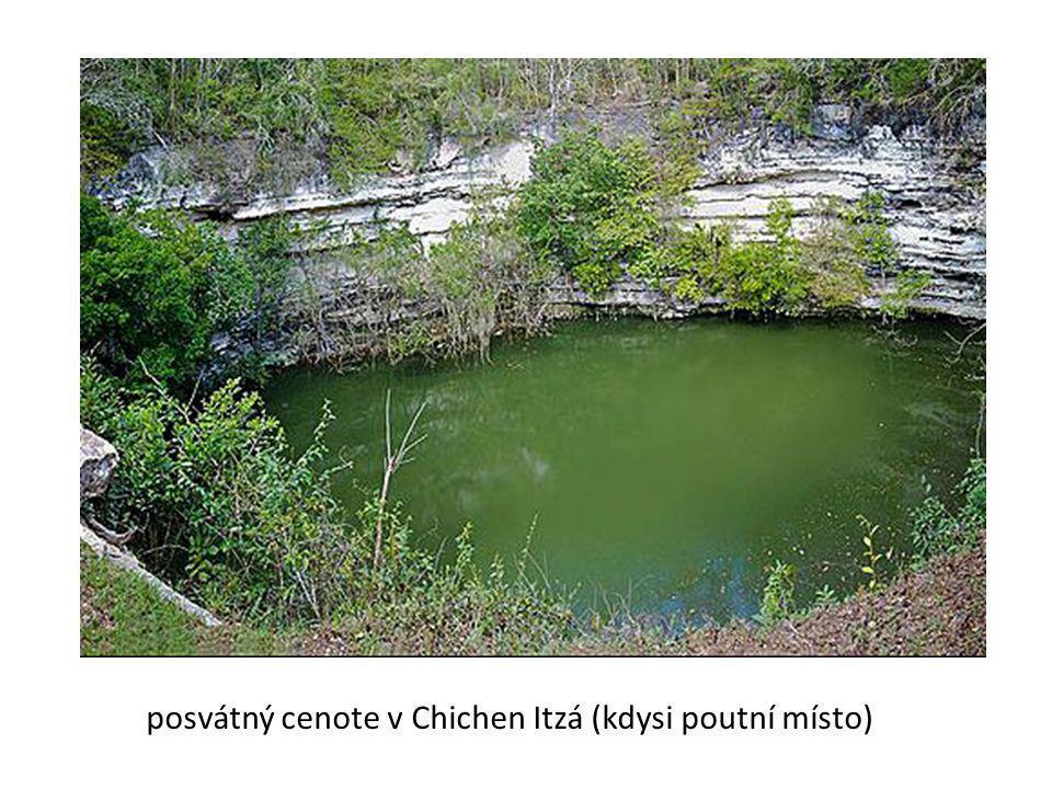 posvátný cenote v Chichen Itzá (kdysi poutní místo)