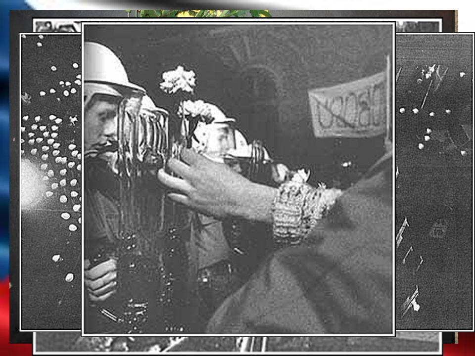 17. Listopad 1989 Od 8:00 vyhlášena mimořádná bezpečnostní akce.