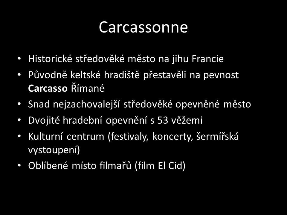Carcassonne Historické středověké město na jihu Francie