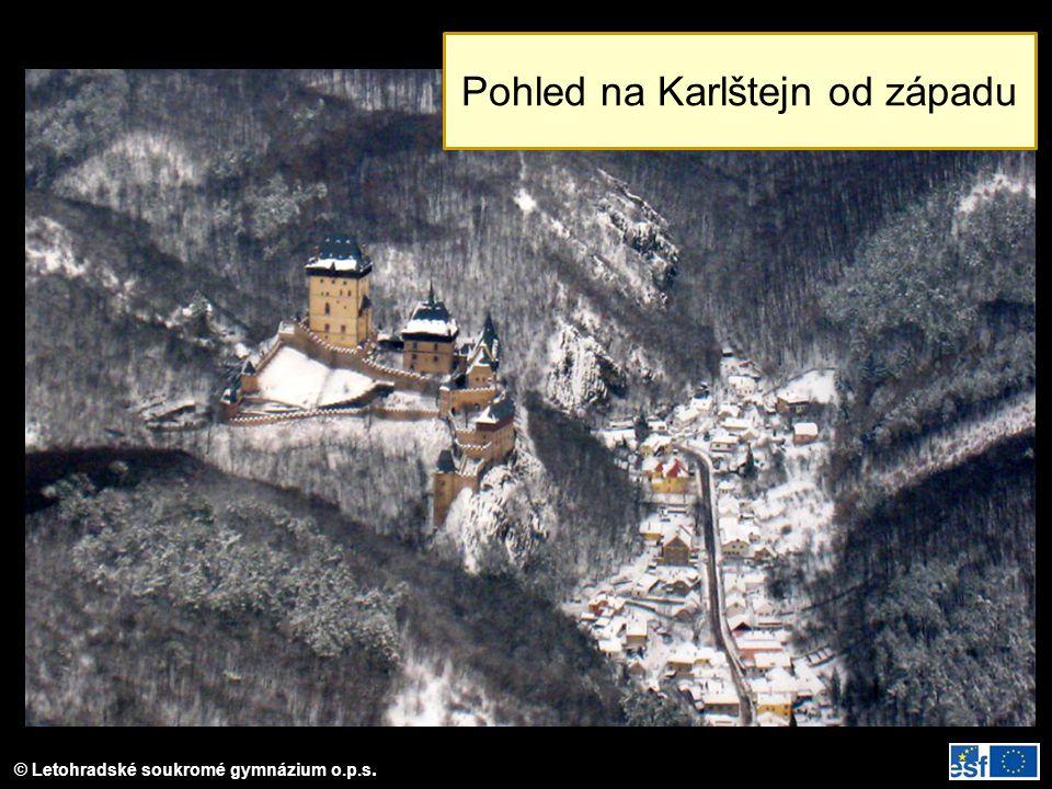 Pohled na Karlštejn od západu