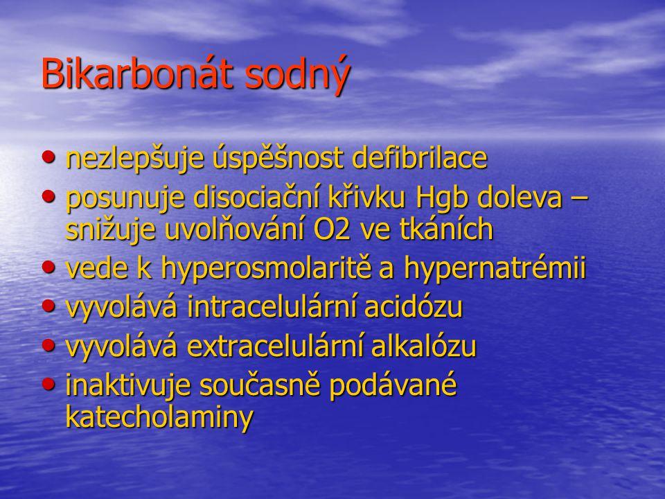 Bikarbonát sodný nezlepšuje úspěšnost defibrilace