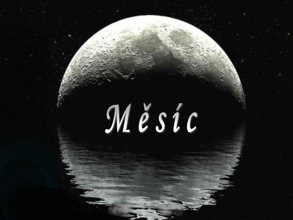 Měsíc