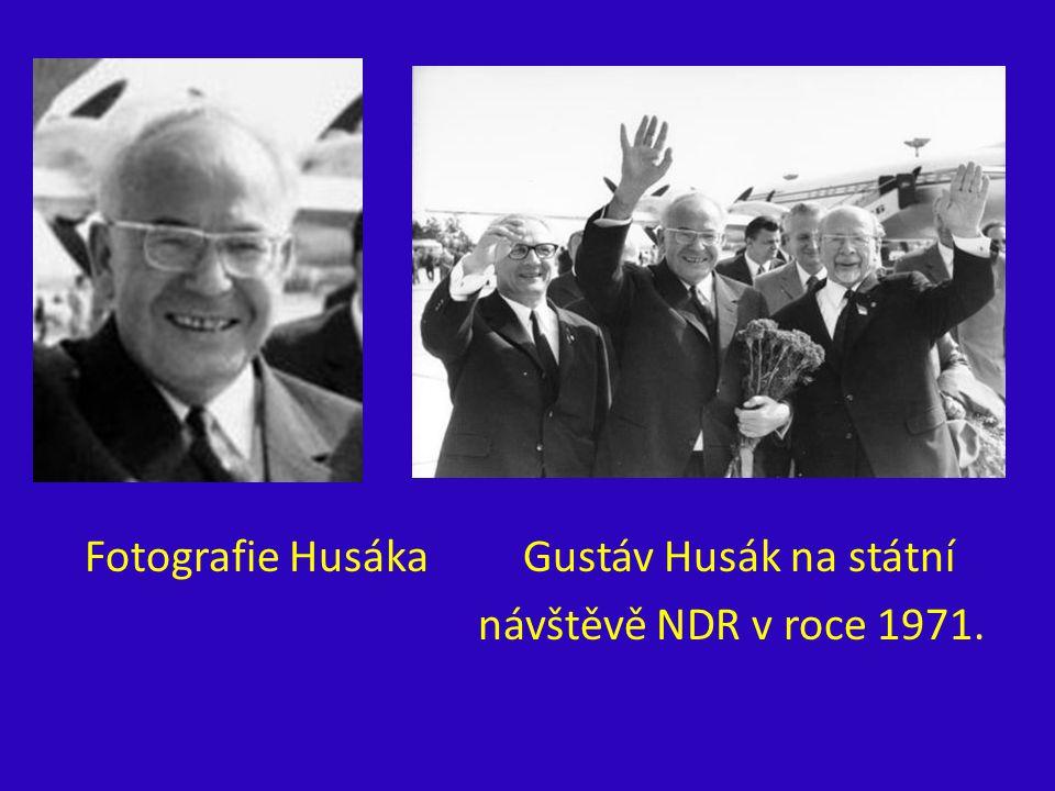 Fotografie Husáka Gustáv Husák na státní