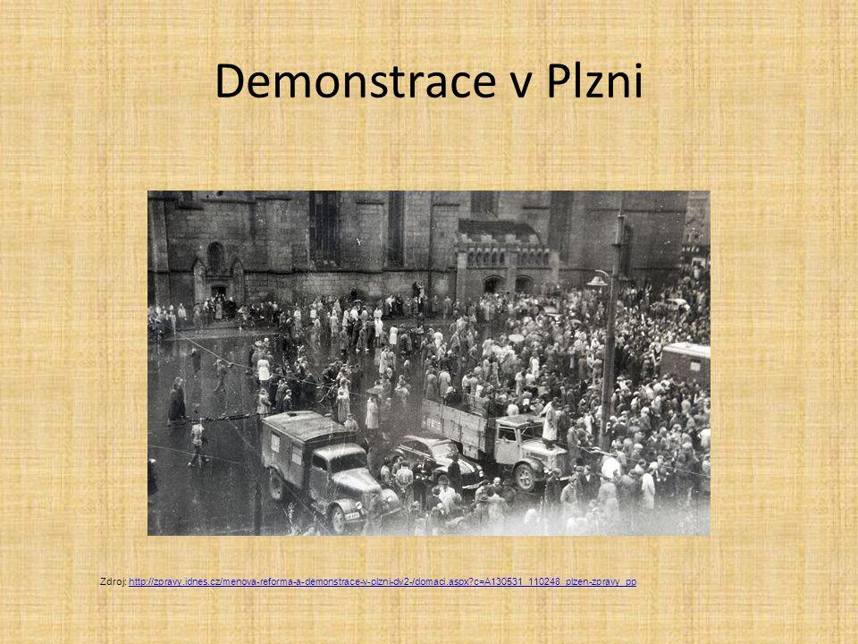 Demonstrace v Plzni Zdroj: http://zpravy.idnes.cz/menova-reforma-a-demonstrace-v-plzni-dv2-/domaci.aspx c=A130531_110248_plzen-zpravy_pp.
