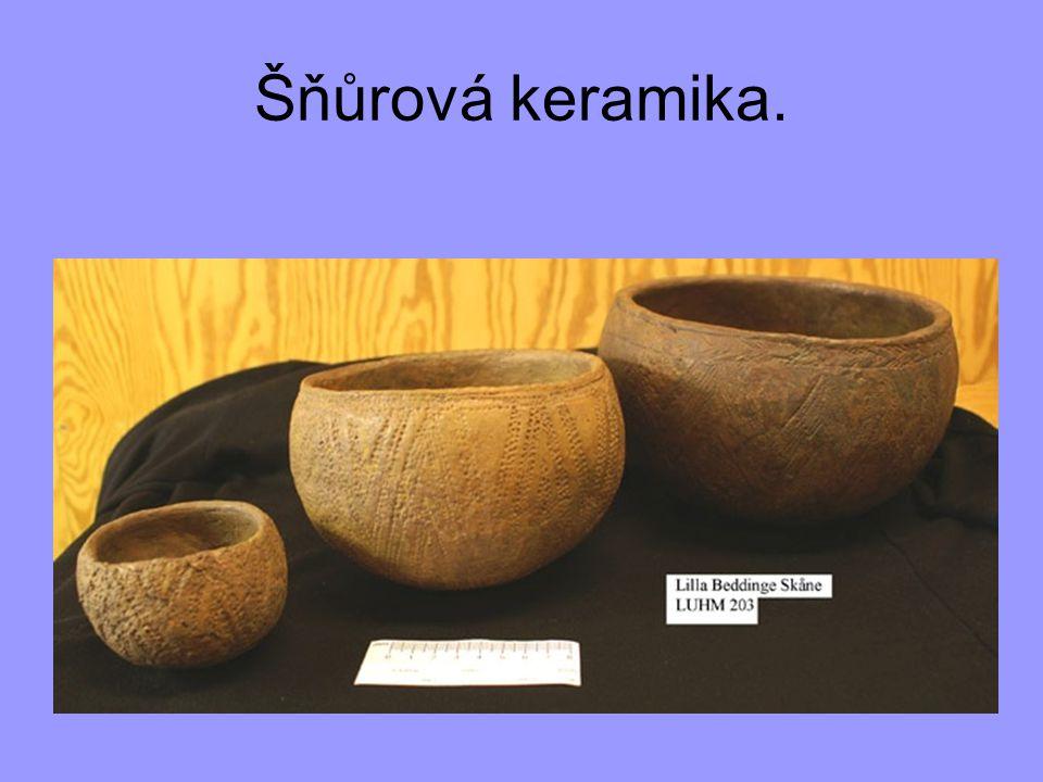 Šňůrová keramika.