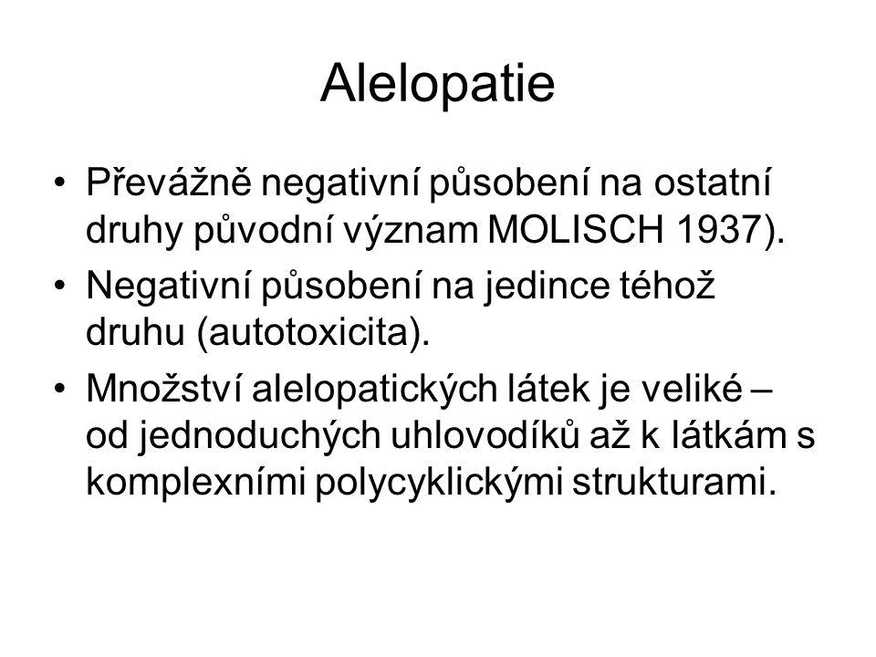 Alelopatie Převážně negativní působení na ostatní druhy původní význam MOLISCH 1937). Negativní působení na jedince téhož druhu (autotoxicita).