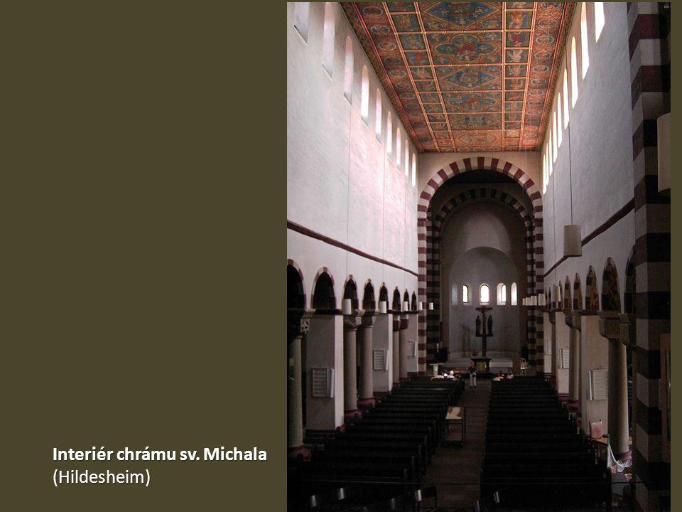 Interiér chrámu sv. Michala (Hildesheim)