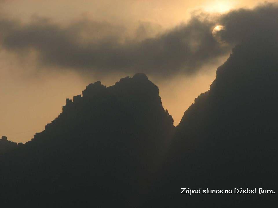 Západ slunce na Džebel Bura.