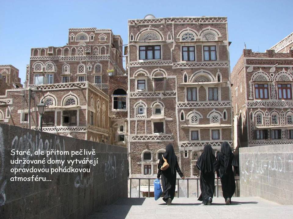 Staré, ale přitom pečlivě udržované domy vytvářejí opravdovou pohádkovou atmosféru...