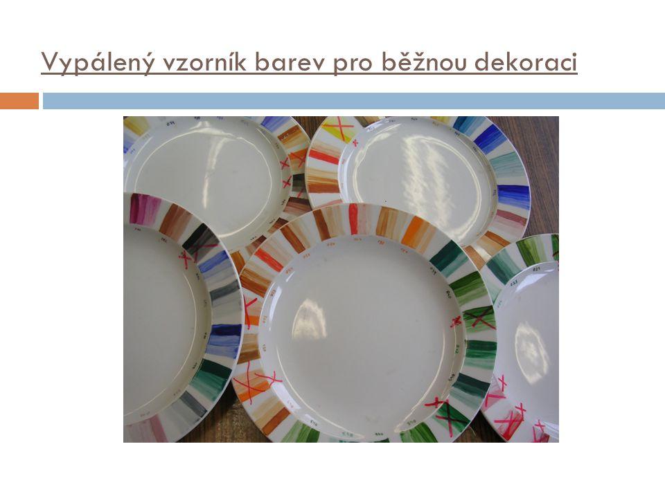 Vypálený vzorník barev pro běžnou dekoraci
