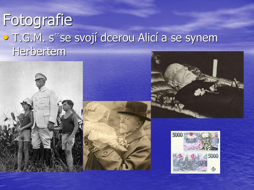 Fotografie T.G.M. s¨se svojí dcerou Alicí a se synem Herbertem