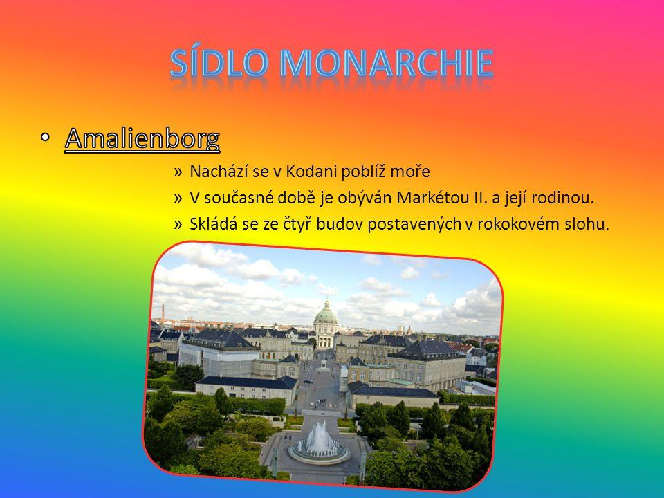 Sídlo monarchie Amalienborg Nachází se v Kodani poblíž moře