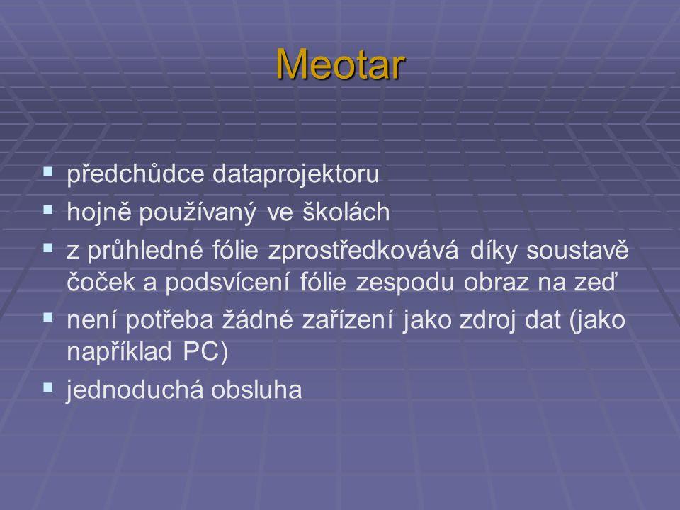 Meotar předchůdce dataprojektoru hojně používaný ve školách
