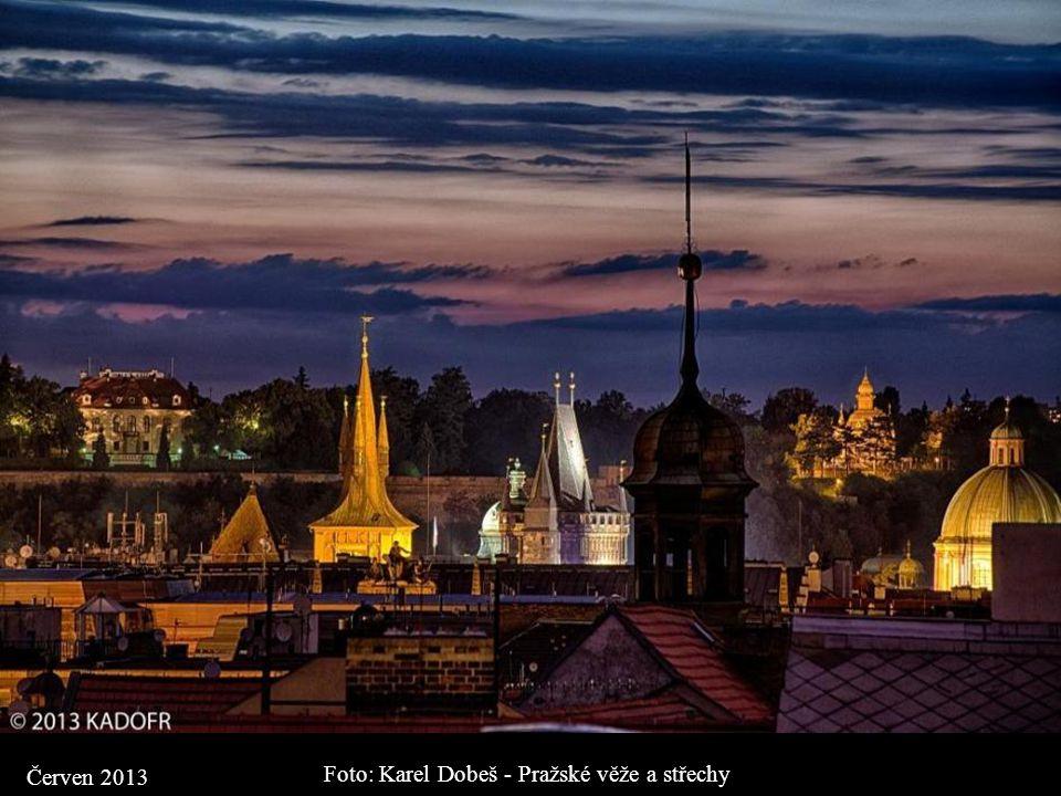Foto: Karel Dobeš - Pražské věže a střechy