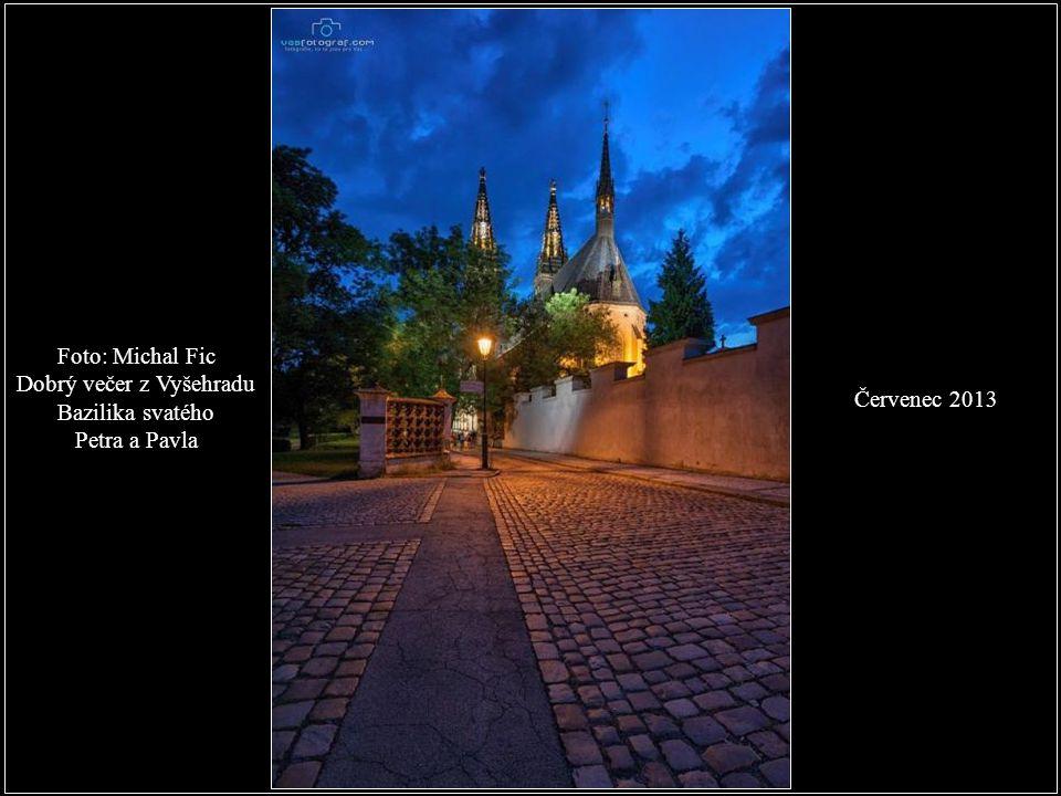 Dobrý večer z Vyšehradu Bazilika svatého