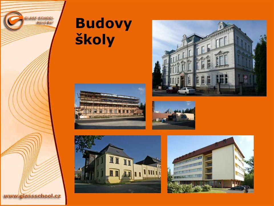 Budovy školy
