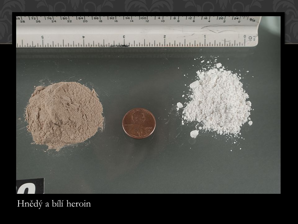 Hnědý a bílí heroin