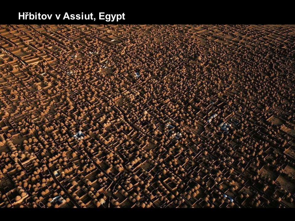 Hřbitov v Assiut, Egypt