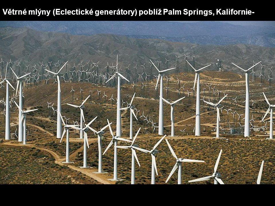 Větrné mlýny (Eclectické generátory) poblíž Palm Springs, Kalifornie-