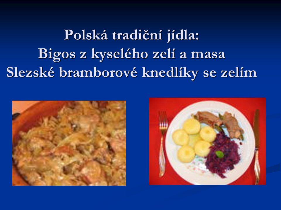Polská tradiční jídla: Bigos z kyselého zelí a masa Slezské bramborové knedlíky se zelím