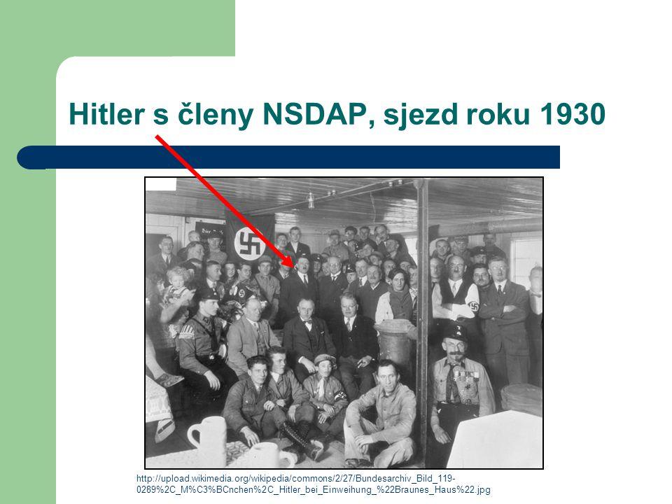 Hitler s členy NSDAP, sjezd roku 1930