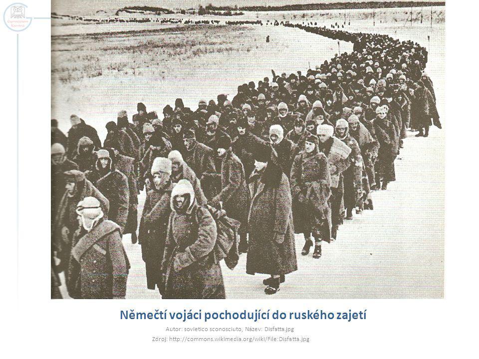 Němečtí vojáci pochodující do ruského zajetí