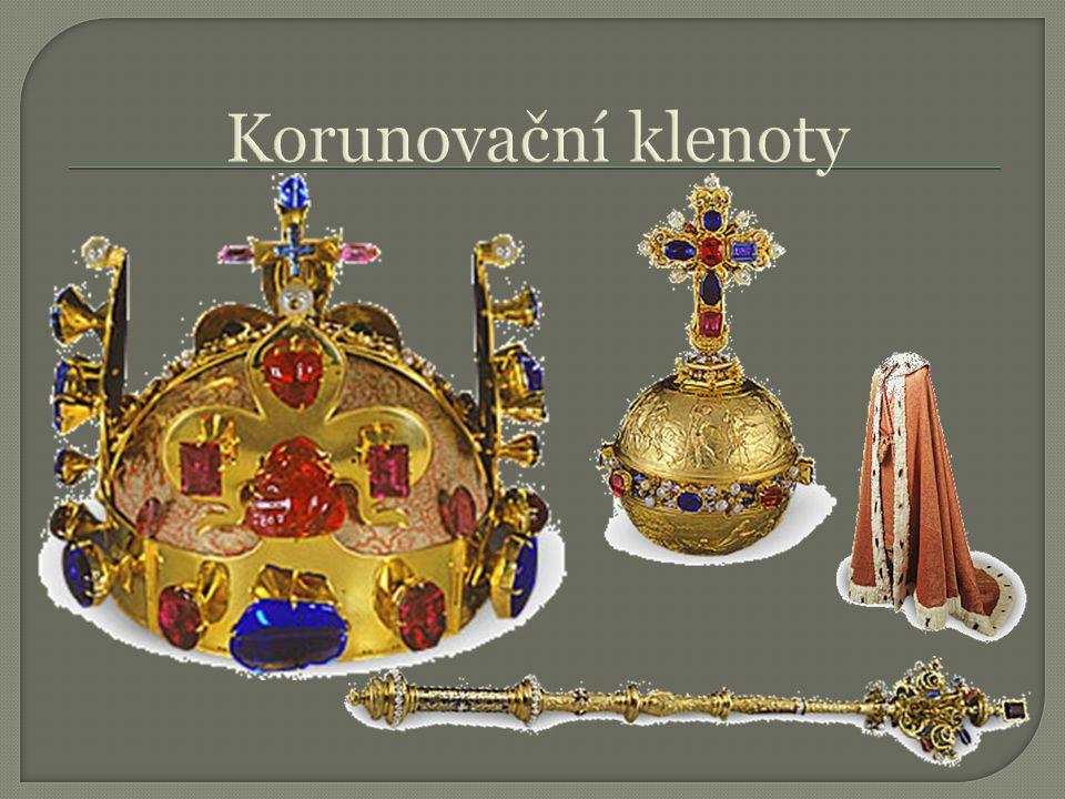 Korunovační klenoty Koruna: 22 karátů, 2,5 kg, věnována Svatému Václavovi (Svatováclavská), 114 drahokamů (z toho 20 perel)