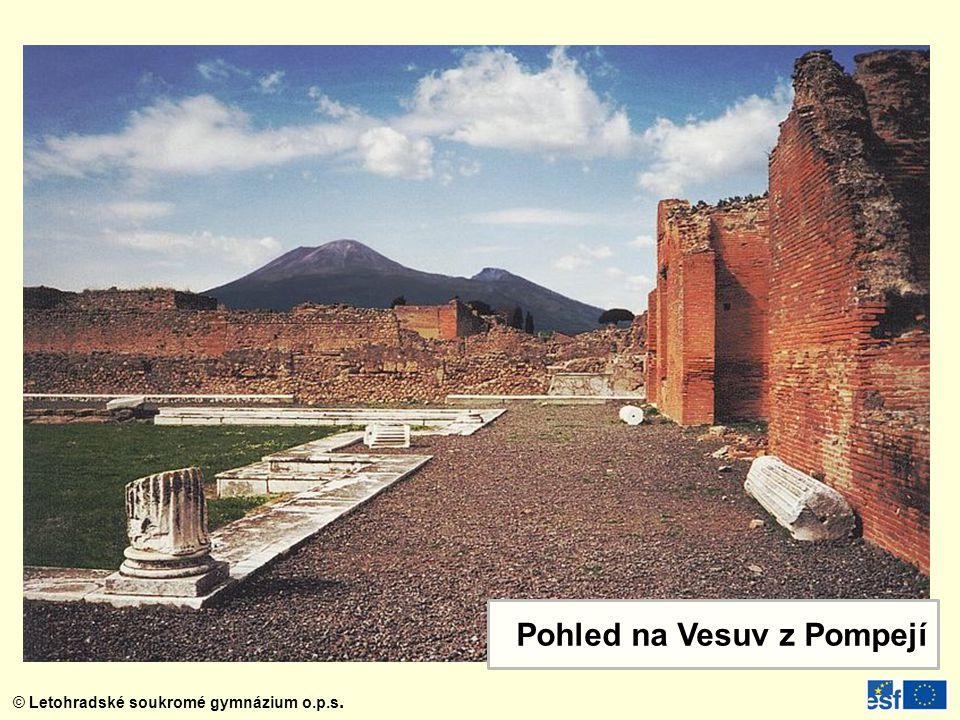 Pohled na Vesuv z Pompejí