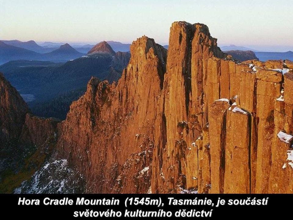 Hora Cradle Mountain (1545m), Tasmánie, je součástí světového kulturního dědictví